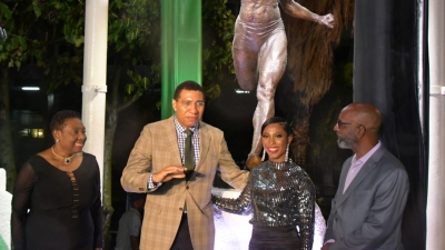 Statue of Shelly Ann Fraser-Pryce unveiled